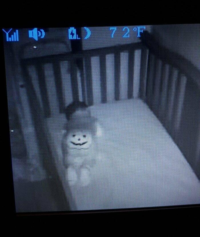 """""""Нарядила сына в хэллоуинский комбинезон без всякой задней мысли и уложила спать. В два часа ночи увидела это и чуть не заорала"""""""