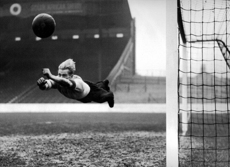 Берт Траутманн, вратарь «Манчестер Сити», 22 декабря 1951 года, Великобритания
