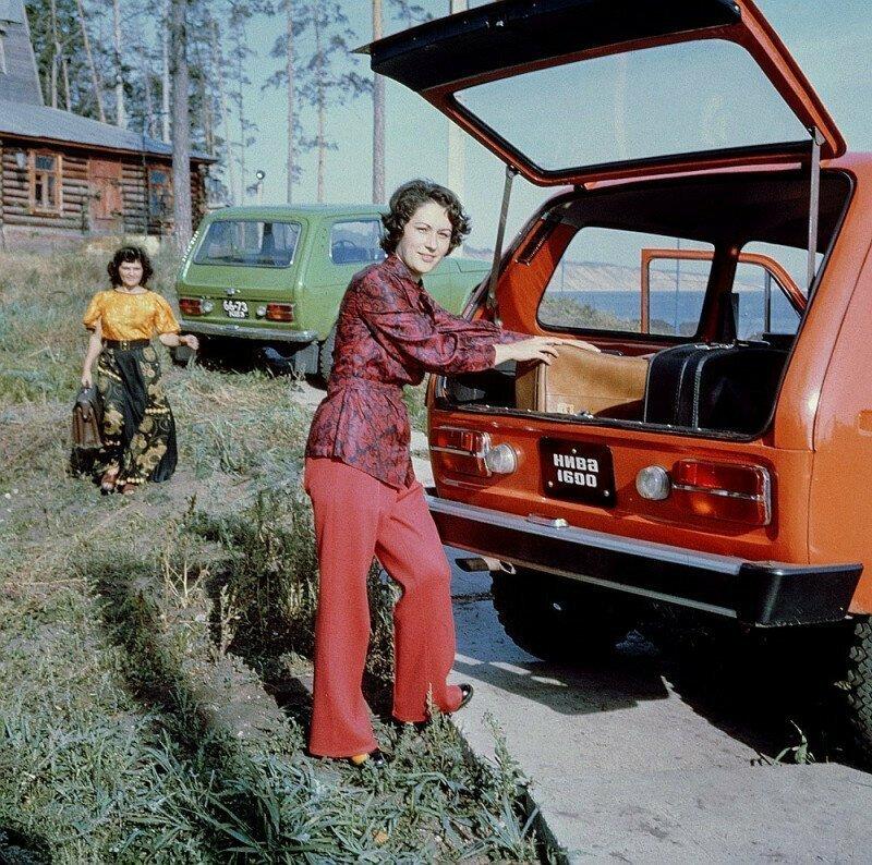 Съёмка рекламы нового автомобиля «Нива» ВАЗ-2121. СССР. 1975 г.