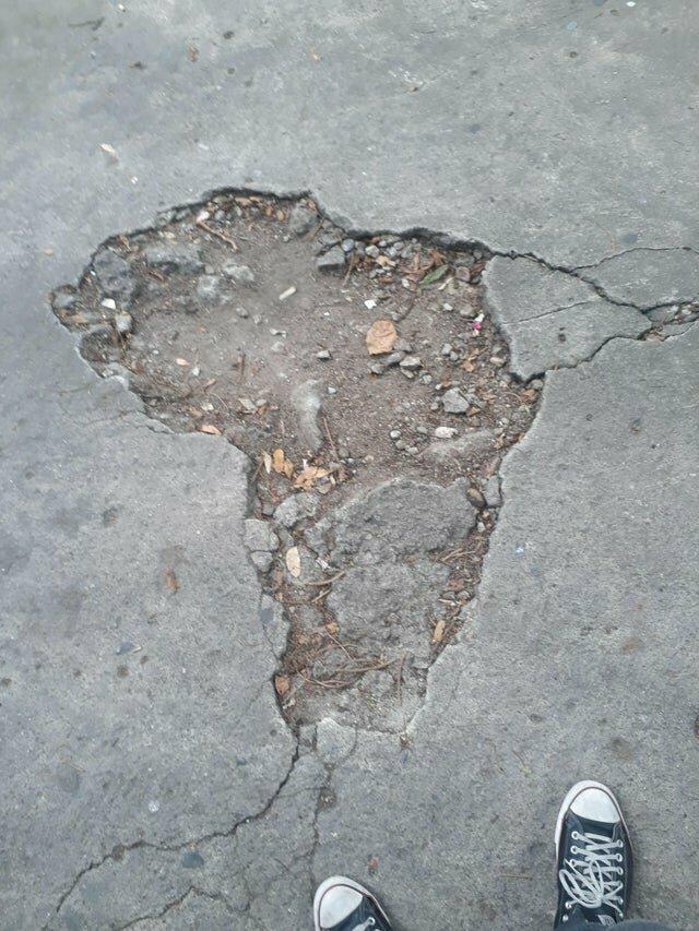 5. Выбоина в форме Африки
