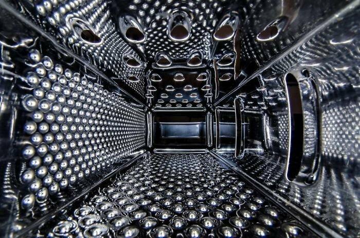 Внутренняя часть терки выглядит как фон к музыкальному видео
