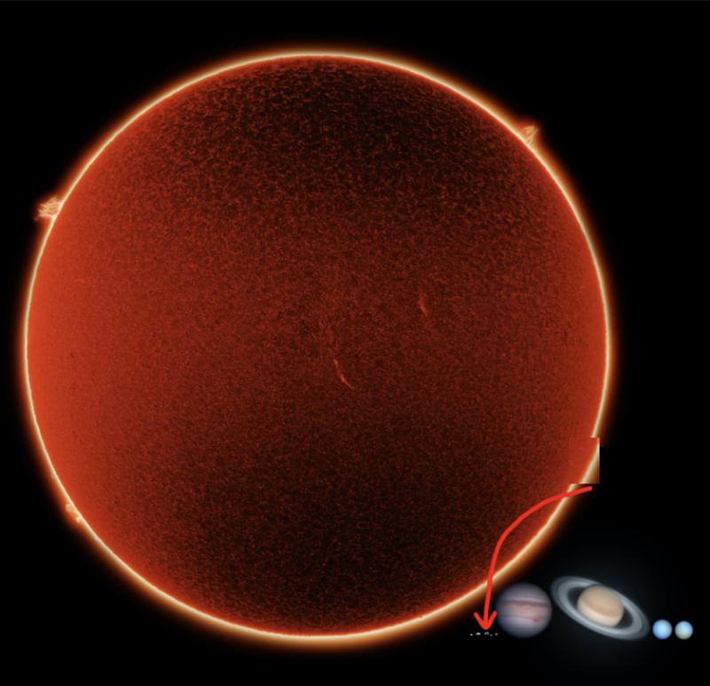 Но Солнце все равно с планетами не сравнить. Помните, мы во-о-он там, в уголке!