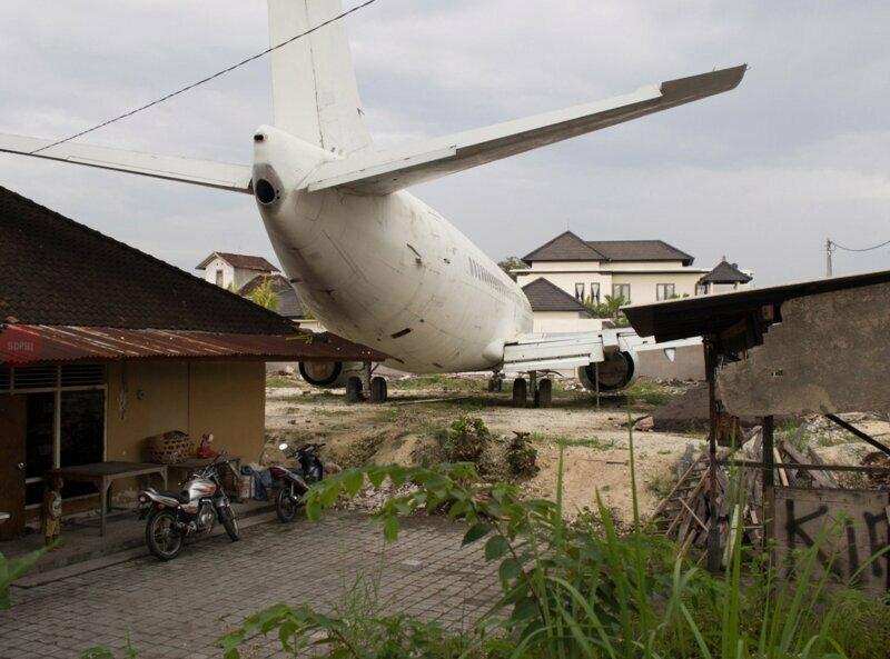 Когда всем рассказываешь, что твой Боинг-737 стоит у бабушки в деревне, но никто не верит