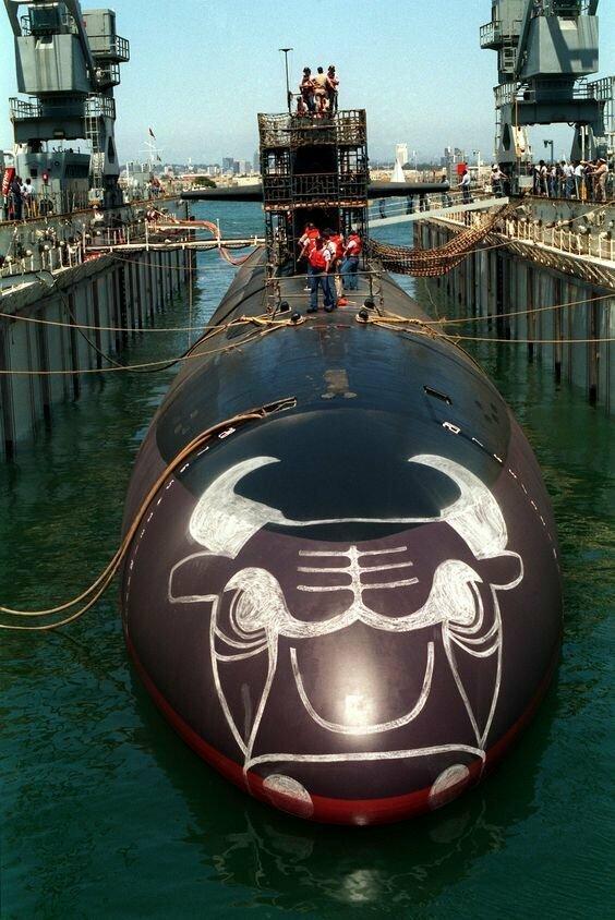 USS Chicago (SSN-721) — атомная ударная подводная лодка типа «Лос-Анджелес»
