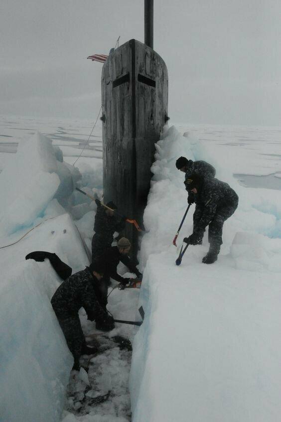 Субмарины во льдах