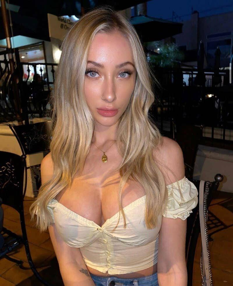 Эротическая модель собрала миллион долларов в помощь Австралии