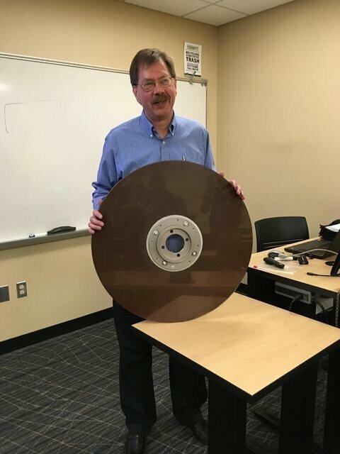 10-мегабайтный жесткий диск, 1960 г