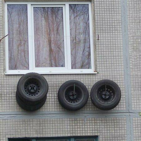 Когда ни балкона, ни гаража нет