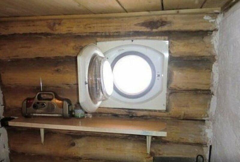 Окно в бане из люка стиральной машинки