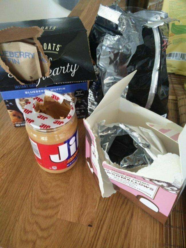 """""""Вот как моя жена открывает и оставляет продукты"""""""
