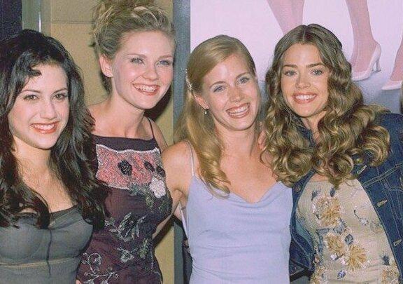 """На премьере фильма """"Убийственные красотки"""" 1999 года. На фото: Кирстен Данст, Дениз Ричардс, Бриттани Мёрфи, Эллен Баркин"""