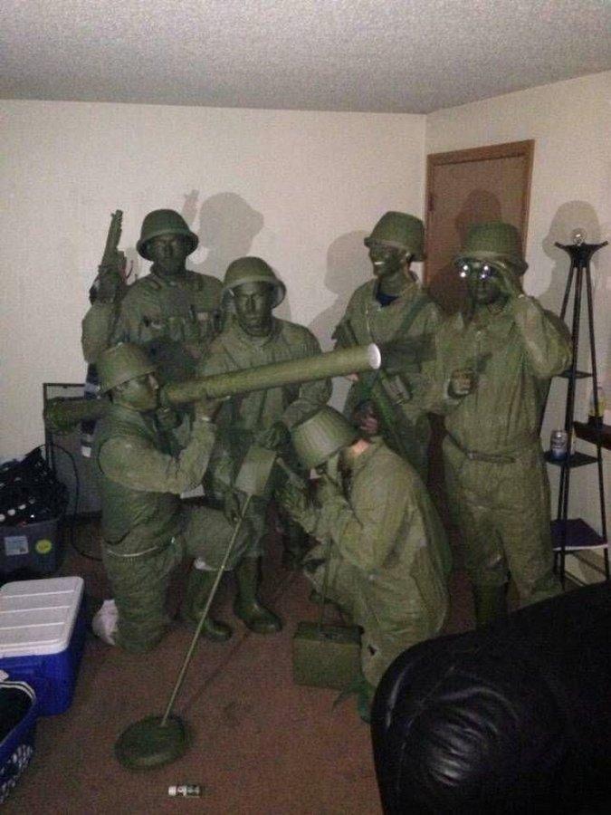 Мимикрировать под солдатиков?