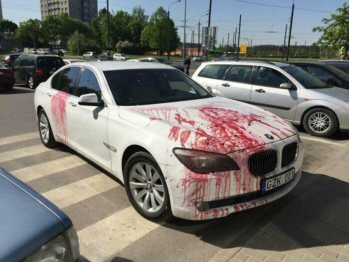 Чтобы наказать за такую парковку, и банки варенья не жалко!