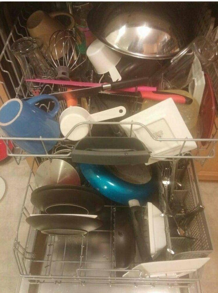 """""""Посмотрите, как моя жена загружает посудомойку!"""""""