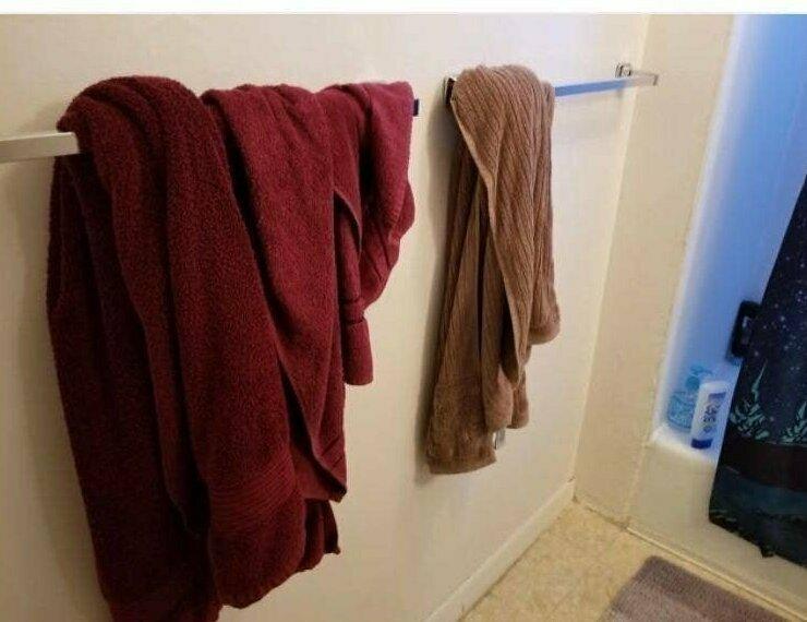 """""""Так муж вешает мокрое полотенце. И дочка в него пошла"""""""