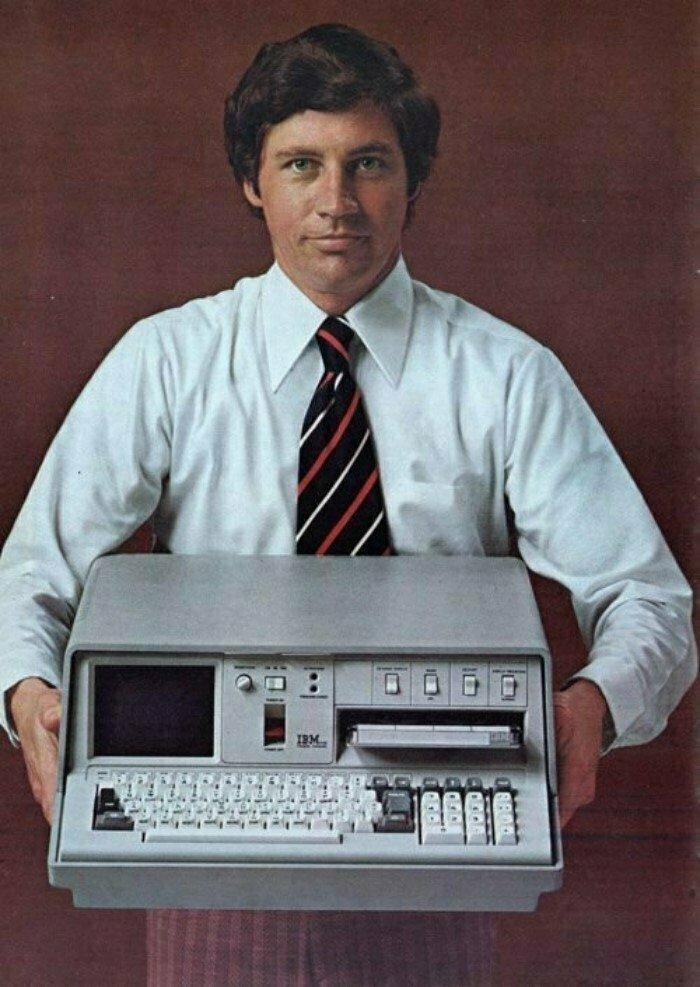 Портативный компьютер IBM 5100 образца 1975 года. Оперативка целых 16 килобайт! США