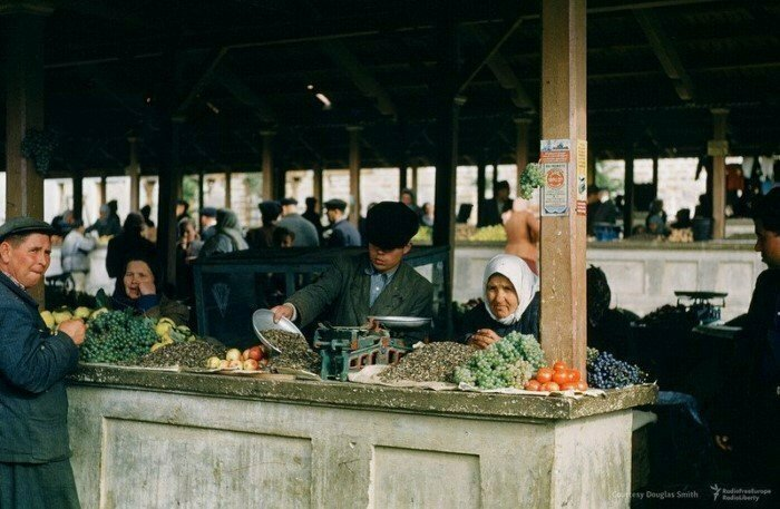 Рынок в Ялте. Фото Мартина Манхофа. Крым, 1953 год