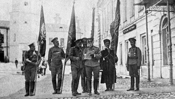 Первая мировая, 16 февраля 1916 года Кавказская армия генерала Юденича разгромила Турецкую 3-ю армию и взяла штурмом крепость Эрзерум
