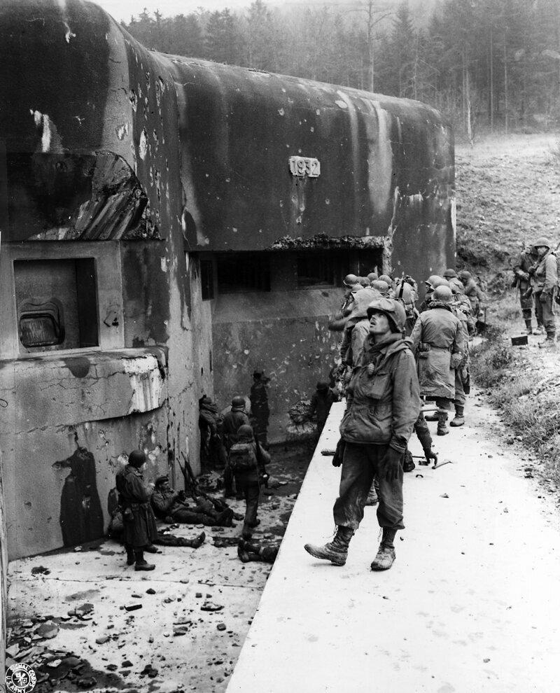 А вы представляете, как Франция отгородилась от Германии линией Мажино?