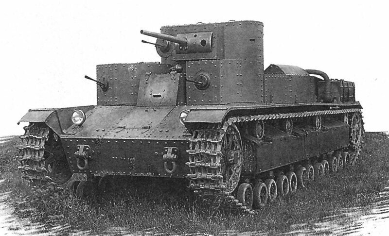 Вот «Монстр Сталина» -  советский танк Т-28 с тремя башнями – на момент своего появления он являлся сильнейшим средним танком в мире.