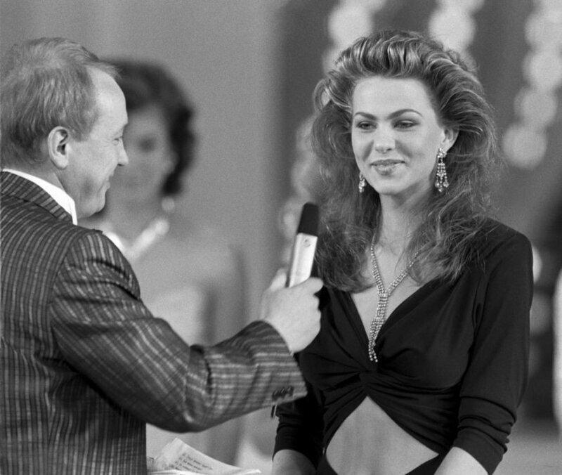 И первую мисс-СССР, 1989 год - Юлия Суханова