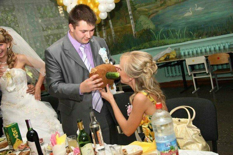 Эта пошлятина стала уже настоящей классикой отечественных свадеб