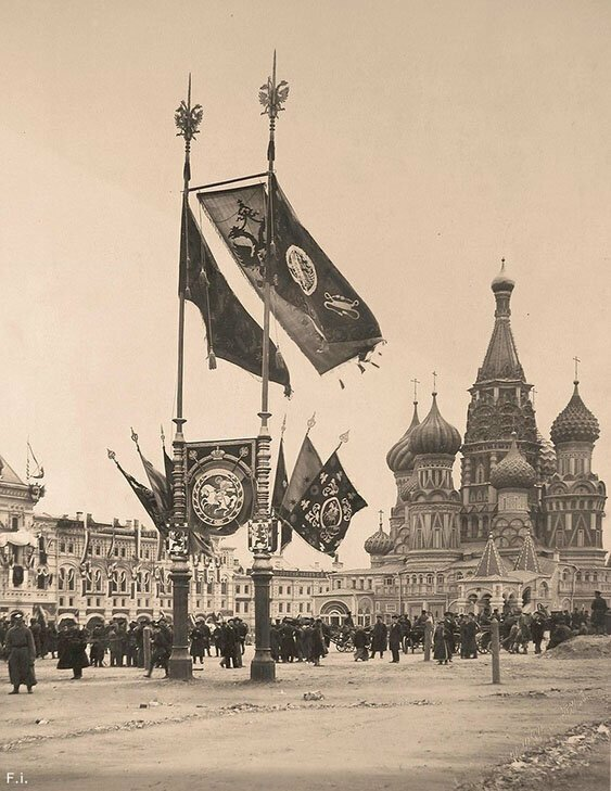Красная площадь, подготовленная к торжествам по случаю коронации Николая II, 1896 год.