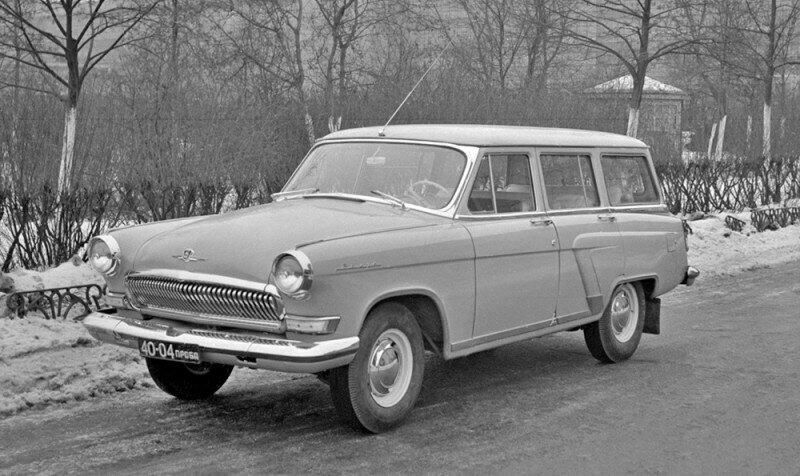 """ГАЗ-22В, семиместный - опытный универсал на базе седана """"Волга"""" ГАЗ-21Р, модификация модели ГАЗ-22В с дополнительным третьим рядом сидений"""