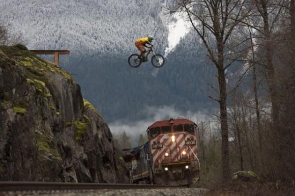 Что круче - велосипед или поезд?