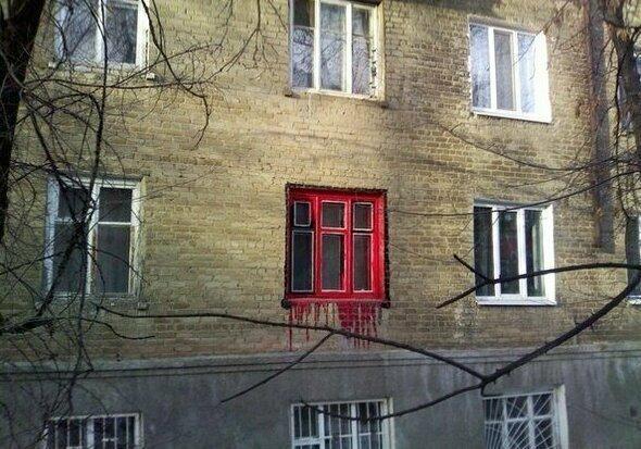 Рукожоп решил покрасить окно