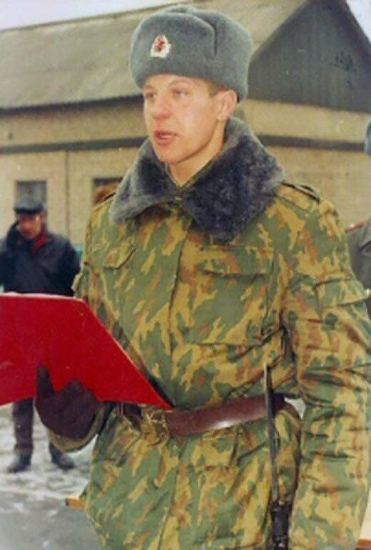 Федор Емельяненко принимает присягу. 1995г.