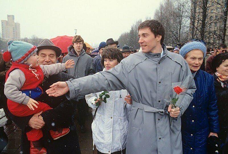 Космонавт Сергей Крикалев покинул советскую землю 19 мая 1991 года — и вернулся с орбиты 25 марта 1992 года в совсем другую страну.