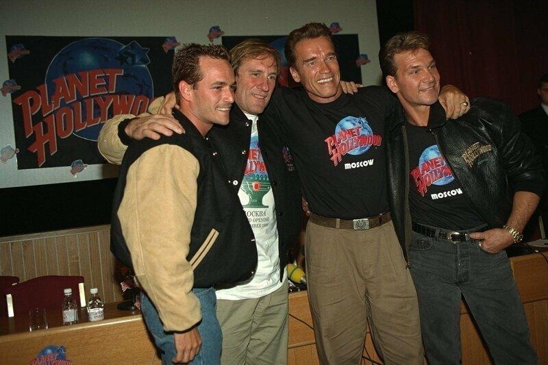 Открытие «Планеты Голливуд» в Москве. 25 сентября 1996 год.