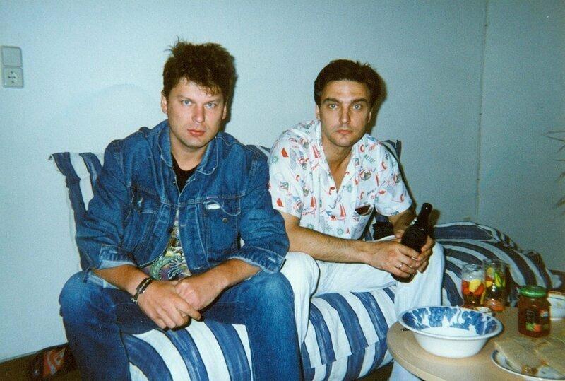 Юрий Хой и Андрей Державин отдыхают во время гастролей