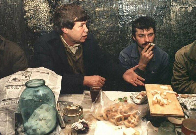 Виктор Анпилов ведет агитационную работу в трудовом коллективе