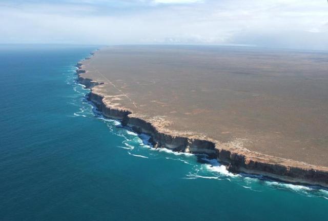 Вид на край Австралии с вертолета: выглядит, как конец земли
