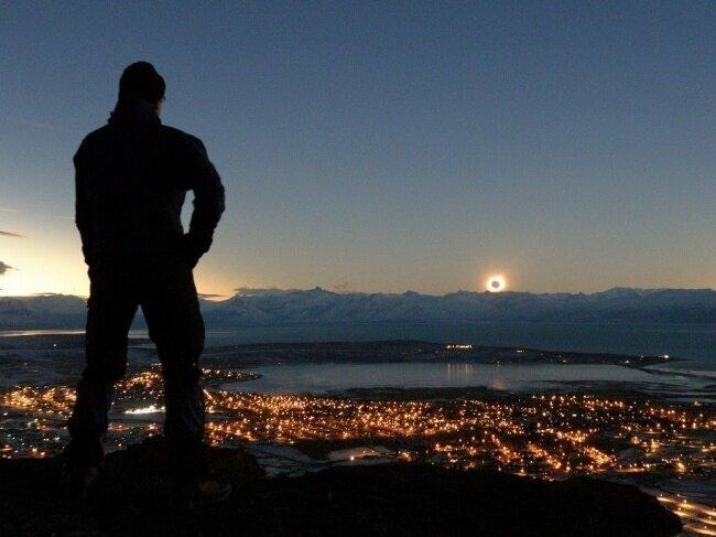 Удивительное явление:  одновременный закат и восход