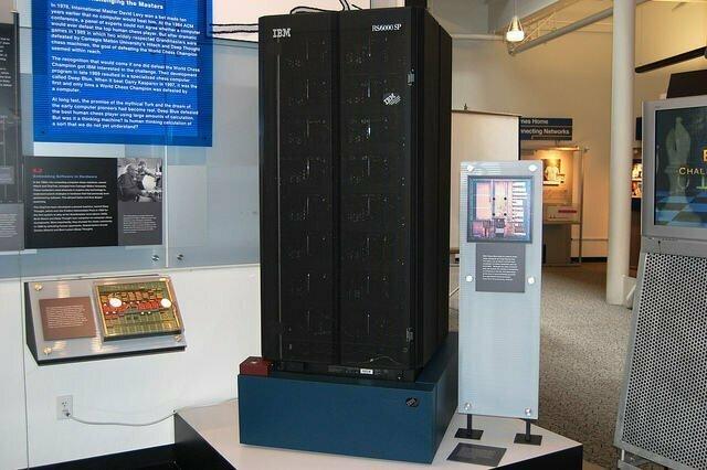 Deep Blue - первый компьютер, обыгравший человека в шахматы