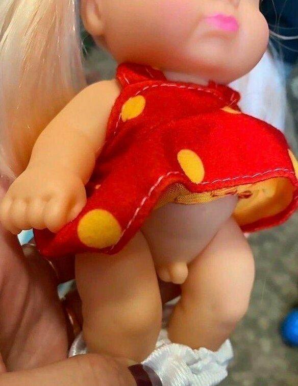 Какая-то неправильная кукла-трансгендер