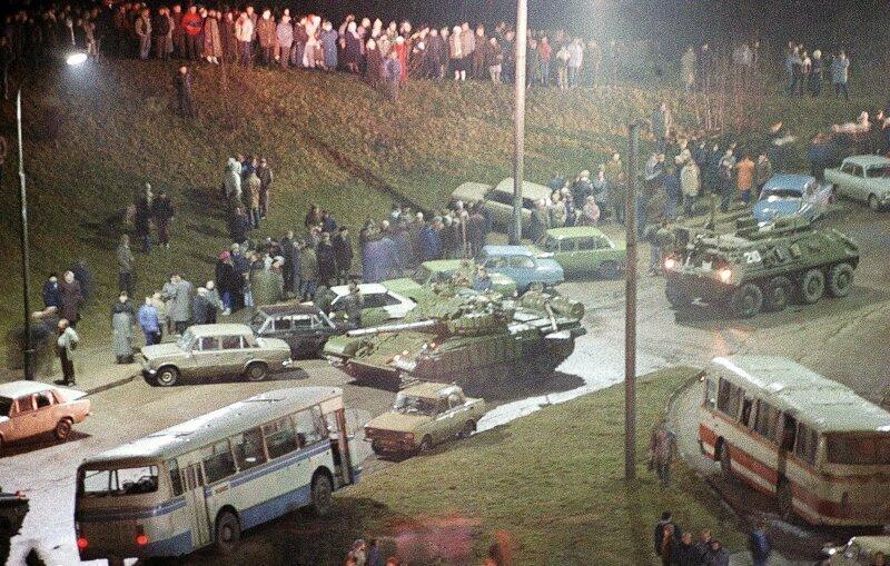 Начало распада СССР, Вильнюс, 13 января 1991 <span class=