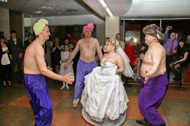 Свадебные конкурсы, за которые бывает стыдно