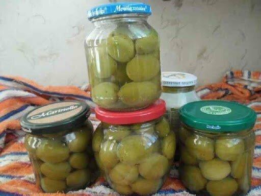 Маринованные зеленые абрикосы