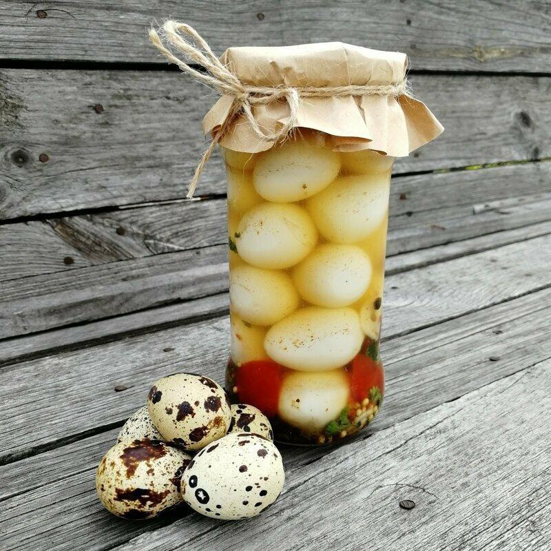 Маринованные яйца - куриные, перепелиные - с чесноком, красной капустой, свеклой и еще кучей иных ингредиентов
