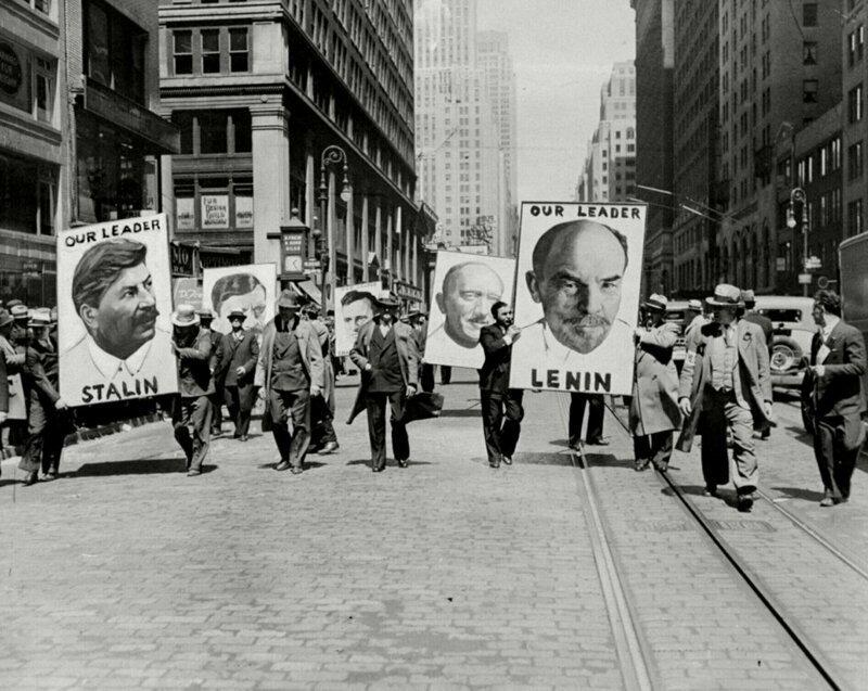 Первомайский марш коммунистов по Нью-Йорку, США, 1935 год