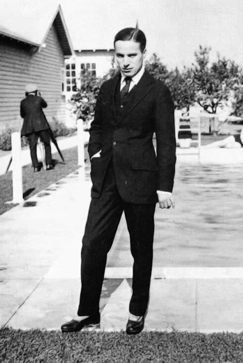 Чарли Чаплин без образа в 1919 году