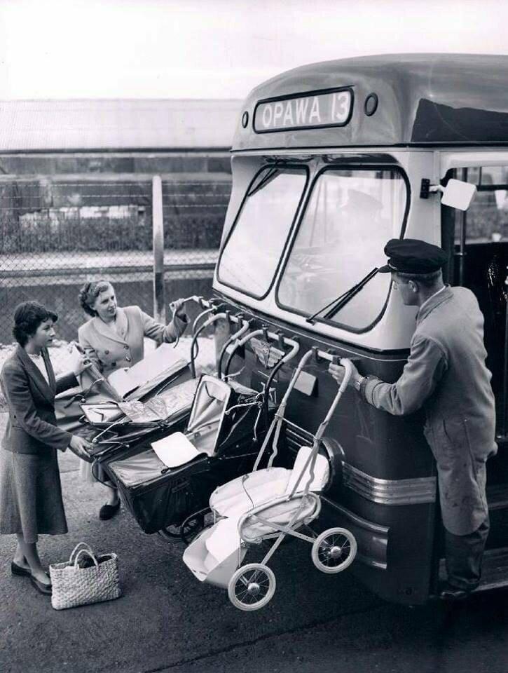 Как перевозили детские коляски в Новой Зеландии в 1950-е