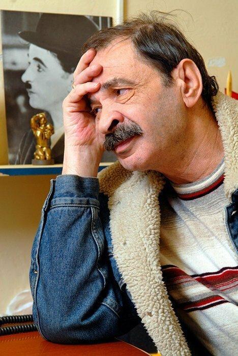 А вот Илья Львович Олейников уже покинул этот мир в 2012 году