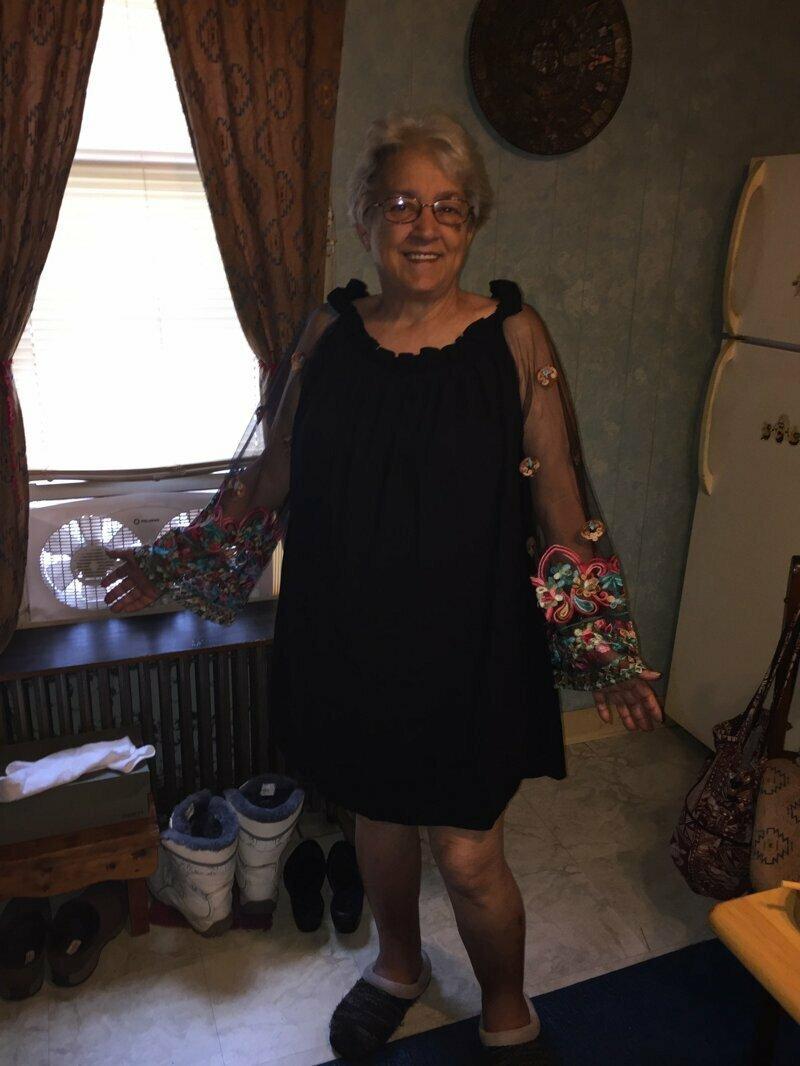 Когда бабушке платье идёт больше, чем тебе