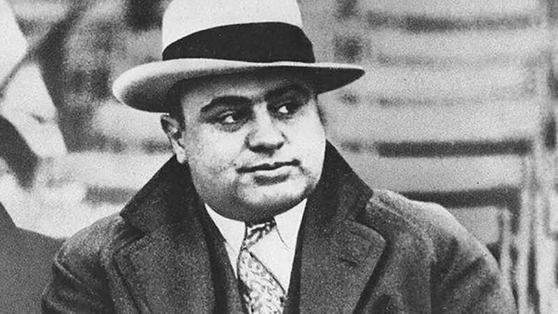 """""""Пуля очень многое меняет в голове, даже если попадает в задницу"""", – Аль Капоне"""