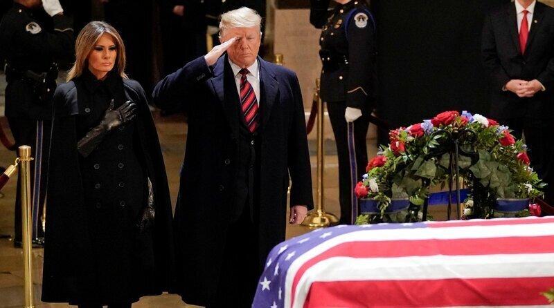 Американский президент после вступления в должность должен распорядиться своими похоронами